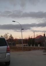 7 nuevas farolas se instalan en el parque municipal de Candelario