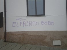 Candelario sufre en el día de la Constitución una oleada de actos vandálicos contra la libertad de expresión
