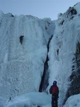 Rescatado en la Sierra de Candelario un escalador tras caer 15 metros cuando realizaba escalada en hielo