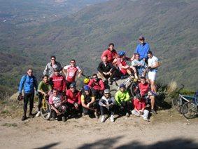 La asociación deportiva Enzona reúne a 22 participantes en la 2º edición de la Marcha Primaveral Corita.
