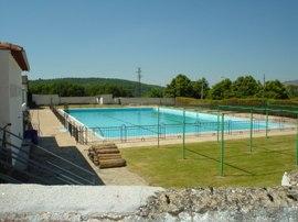 El chiringuito y la piscina salen a concurso público