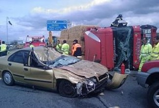 Un camión arrolla a un turismo en Béjar provocando la muerte de su conductor