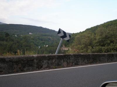 Actos vandálicos en la carretera Béjar-Candelario