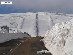 La subida a La Covatilla, el punto más conflictivo en caso de nevadas