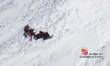 Rescatados dos montañeros con hipotermia y agotamiento en Gredos